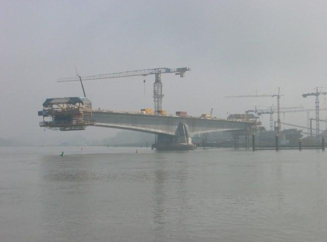 Construction of the segmental Pierre Pflimlin Bridge over the Rhine in 2001. The bridge was opened in 2002.