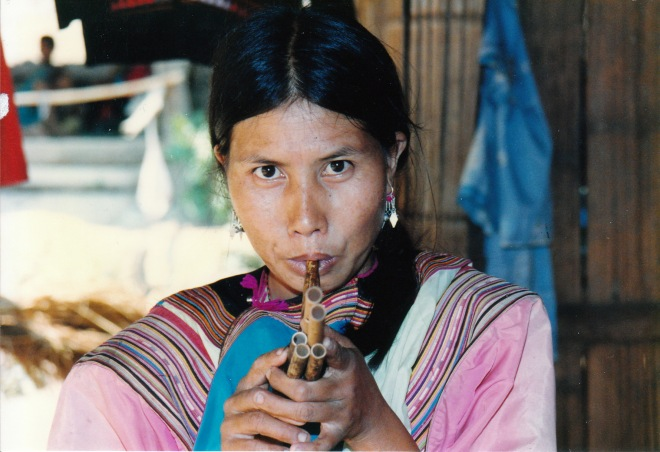 Lisu hilltribe woman, Doi Suthep, 1991. Photo ©Caron Eastgate Dann 1991.