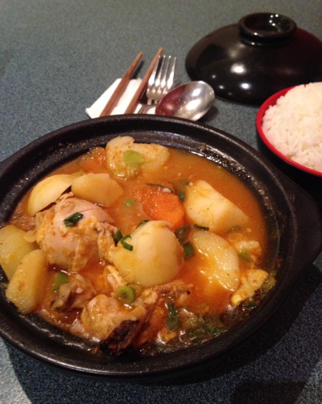 Szechuan chicken clay pot at Joy's Kitchen. Picture ©Caron Eastgate Dann 2014